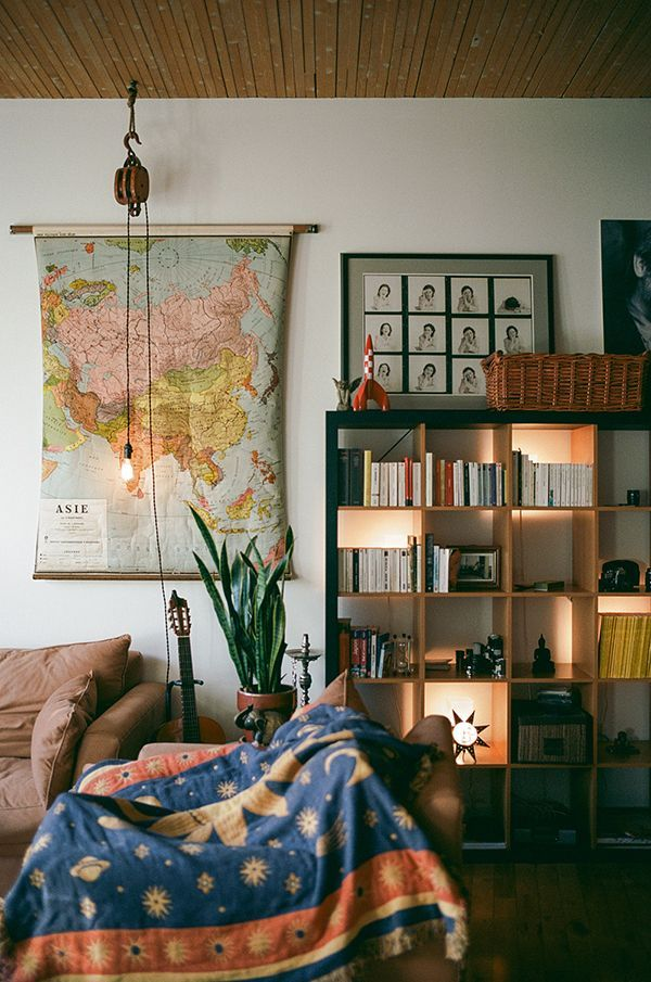 Love the eclectic style, lighting in bookcase, horizontal/vertical sight lines. Trendy Mood   Sunday's Pin