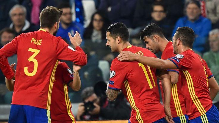 @RFEF #Vitolo aprovecha el error de Buffon para adelantar a #España #9ine