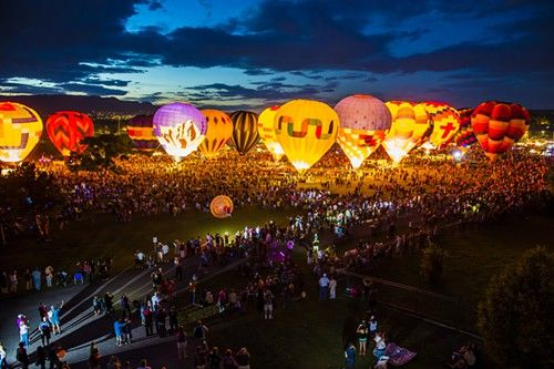 Colorado Springs Balloon Festival.......didn't know they had one but I wanna go now!!