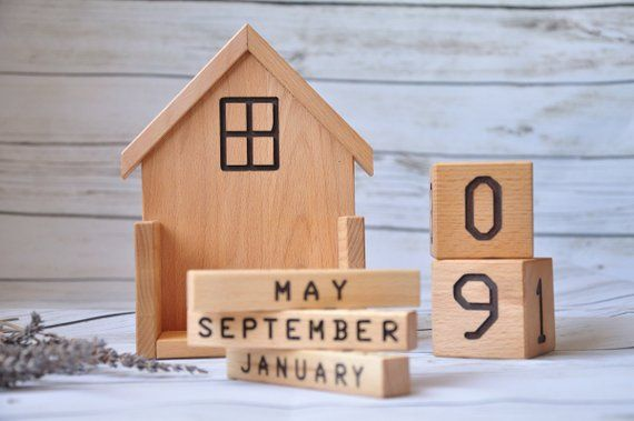 Wood Classic Calendar Perpetual Blocks Desk Tabletop Collectible Desk Gift LA