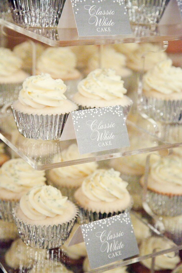 Cupcakes | New Year's Even Wedding | Tana Photography | See More: http://stylemepretty.com/2013/04/15/boise-new-years-eve-wedding-from-tana-photography/