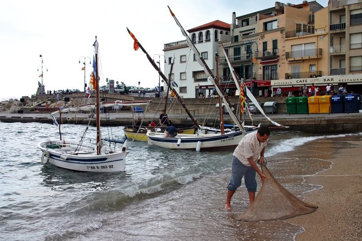 Pescador a L'Escala - Costa Brava, Catalonia