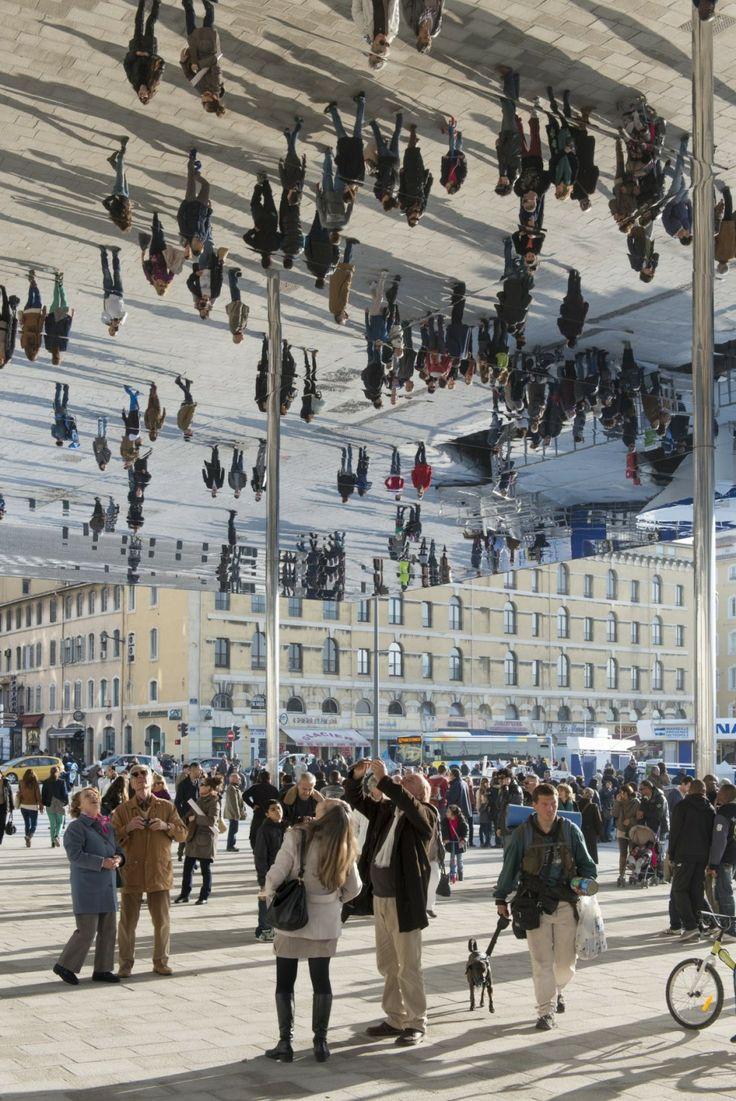 Le cabinet Foster+Partners vient d'achever la réalisation de l'ombrière du Vieux Port à Marseille