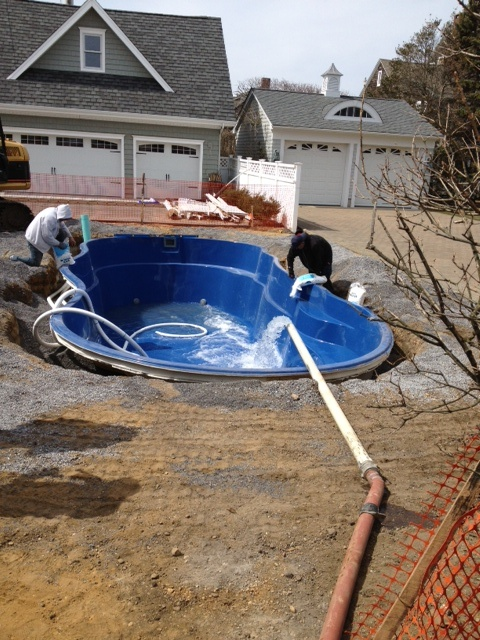 Best 33 fiberglass pool install 2 ideas on pinterest for Fiberglass pool installation