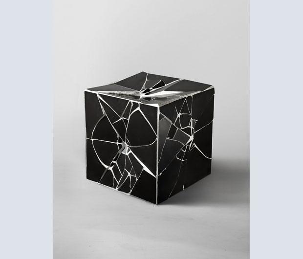 Cube, 2009. Piastrelle di ceramica, cemento, poliuretano espanso, Collezione Oleg Krasnoselsky