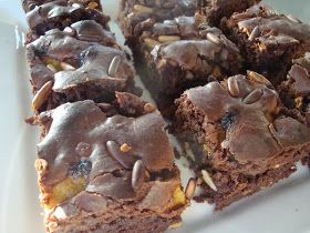 Himmelske kager: Chokoladekage med appelsin, pinjekerner og nødder