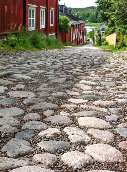 Cobbled Streets - Old Porvoo (I remember pushing a double pram up :-o)