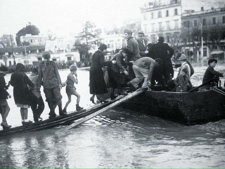 Ponte Milvio (1937) Esondazione del Tevere :)
