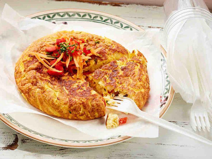 Halloumijuusto sopii monenlaiseen ruoanlaittoon. Halloumimunakkaassa on täytteenä karkeaksi raastettua halloumia sekä porkkanaa, paprikaa ja ruohosipulia. Munakas maistuu vaikkapa lounaana tai iltapalalla.