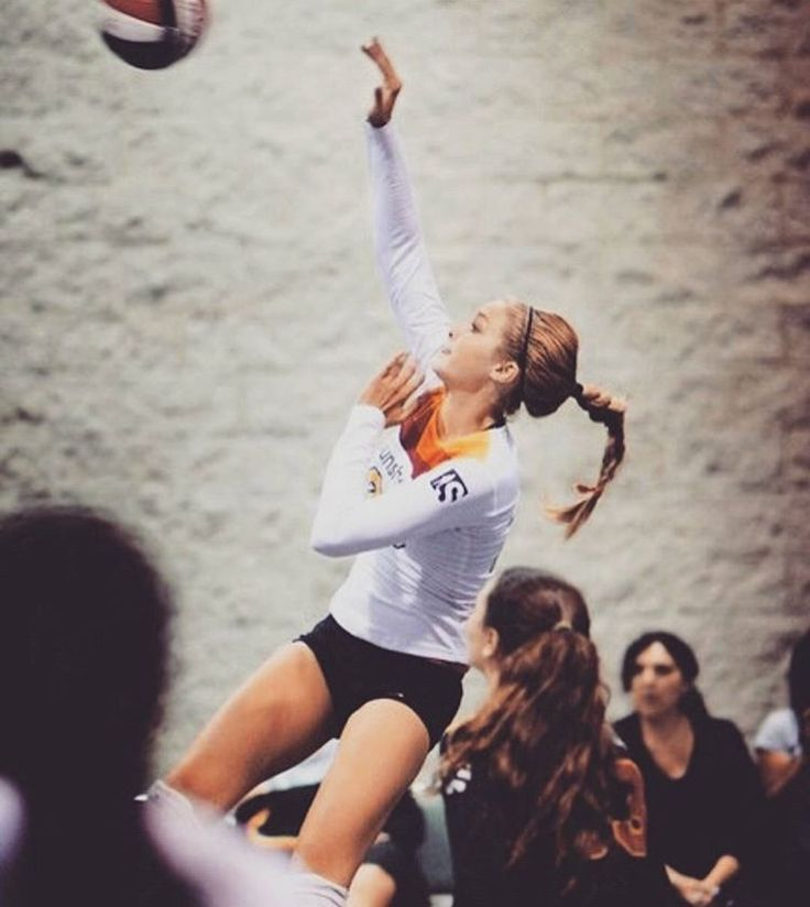 Gigi hadid playing volleyball