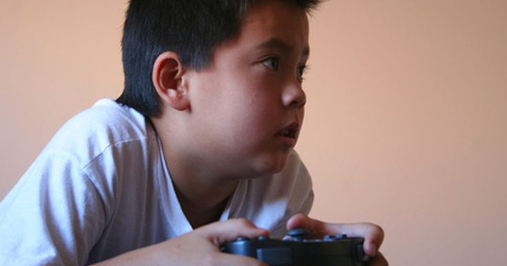 Cómo usar Free McBoot. Free McBoot funciona con las tarjetas de memoria del Playstation 2 y con la aplicación Homebrew. Estos juegos no están oficialmente autorizados y con frecuencia son programados por diseñadores de juegos no profesionales. Free McBoot permite que estos juegos hechos en casa sean ejecutados en la consola de juegos PS2. Usando Free McBoot simplemente ...
