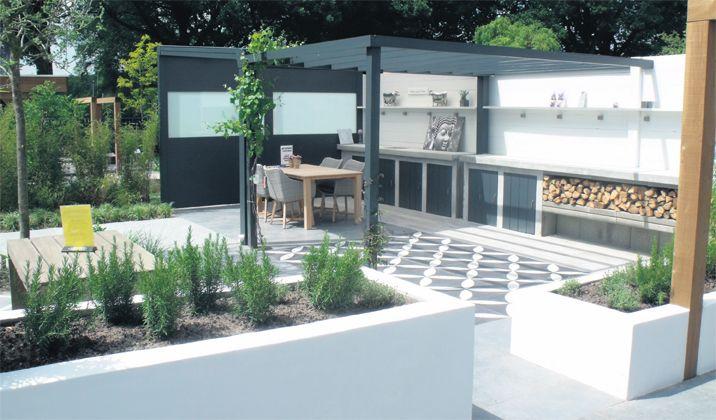 Laat je inspireren! Prachttuinen met vtwonen buitentegels bij BuiterBeton.  Mix & Match je eigen terras   vtwonen buitentegels tuin terras outdoor tegels