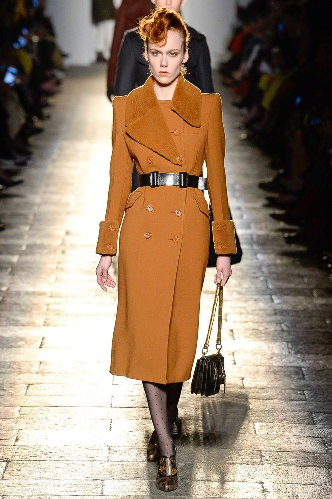 See the complete Bottega Veneta Fall 2017 Ready-to-Wear collection.