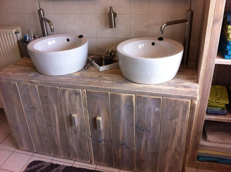 Badkamermeubel gemaakt van oud steigerhout. De meubels worden gemaakt door steigerhoutfryslan/friesland. Kwaliteit staat bij ons hoog in het vaandel!