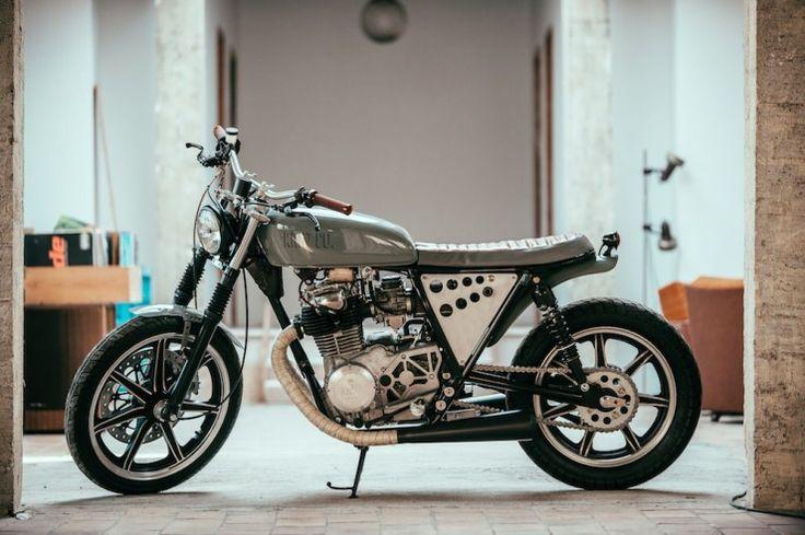 /Yamaha XS400 by Kruz Company in collaboration with Niyona