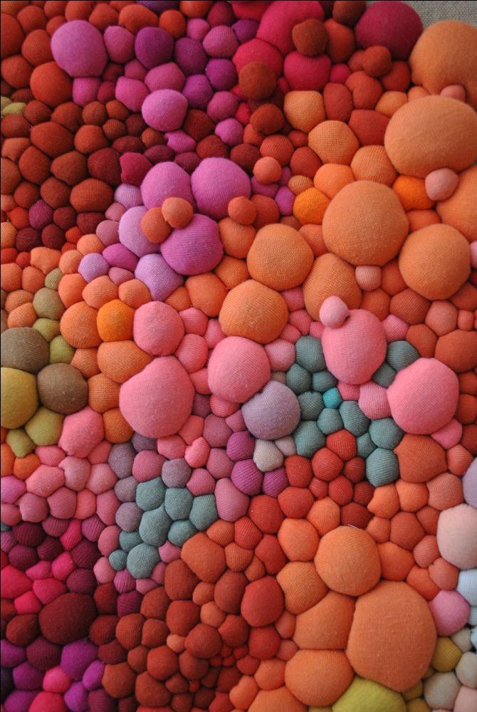 Obras 2015 - Serena Garcia Dalla Venezia / Chilean artist creates stunning textile art from small handmade fabric balls that she then groups together.