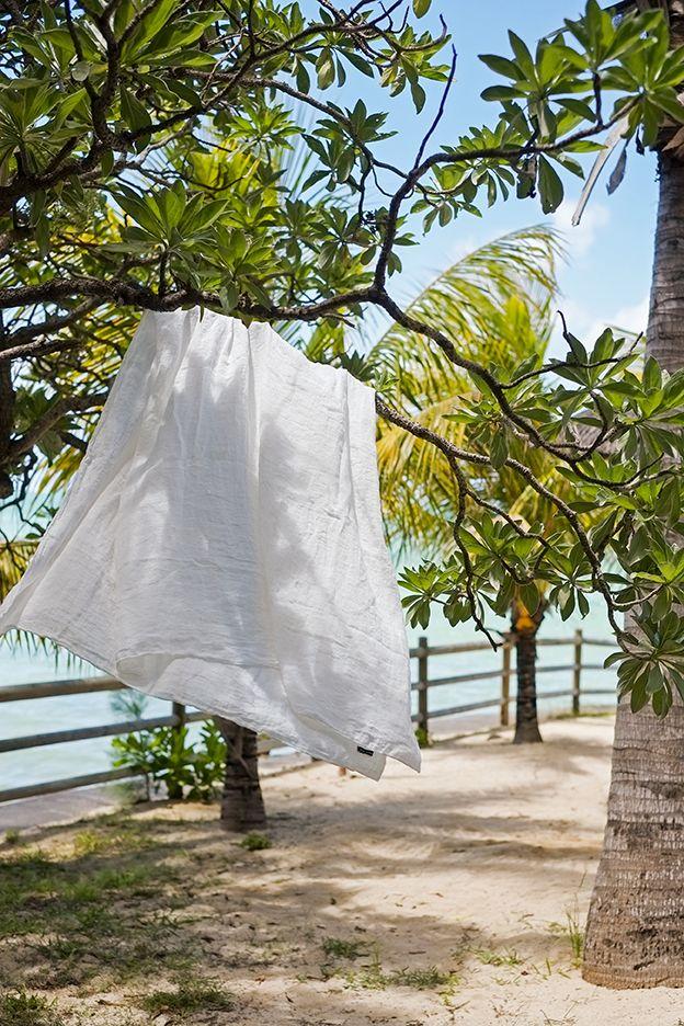 Drap de plage en étamine de lin SECRET MAISON (www.secret-maison.fr)