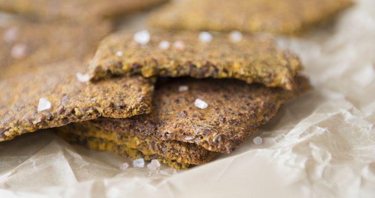 Prøver du at undgå mel og brød i hverdagen? Dette brød uden mel er en fantastisk erstatning! Det er nemt og lækkert, og indeholder masser af fibre.