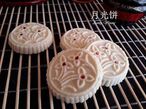 Aunty Young(安迪漾): 月光饼 ( No Frills Snowdrop Mooncake )