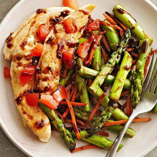 We think this quick and easy Balsamic Chicken and Vegetables is the perfect weeknight meal. More healthy stir-fry recipes: http://www.bhg.com/recipes/healthy/dinner/healthy-chicken-stir-fry/?socsrc=bhgpin060213balsamicchicken=2