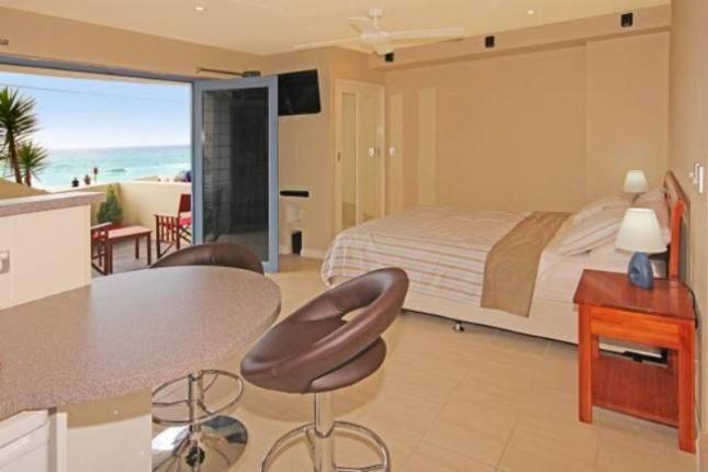 Aqua Shores Studio, a Mollymook Apartment | Stayz