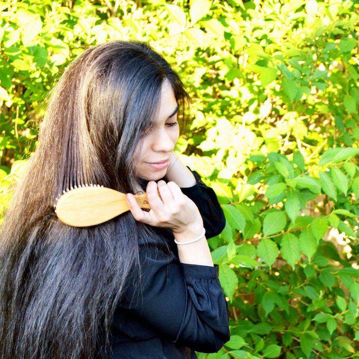 'I have a bamboo hair brush and life just can't get any better'  - Danica, our fan #bambooska #connectWithNature