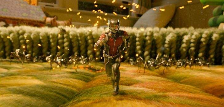 """O DVD e Blu-Ray de Homem-Formiga já está prestes a sair nos Estados Unidos, mas a Marvel e a Disney não estão poupando na divulgação do conteúdo de extras. Dessa vez, foi divulgada uma nova cena deletada que conta com os amigos de Scott Lang recebendo uma """"mãozinha"""" do Homem-Formiga… Se há algo que podemos …"""