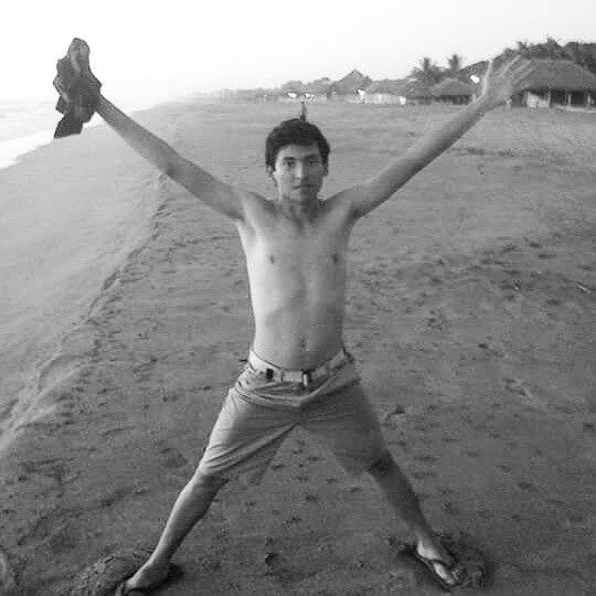 en la playa n_n