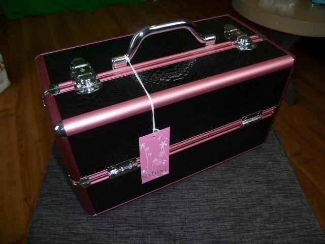 New travel makeup case