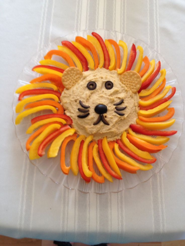 Hummus/veggie lion I made for my daughter's jungle themed first birthday party!