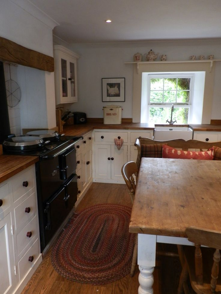 the old country kitchen 25 best ideas about country cottage kitchens on 6085