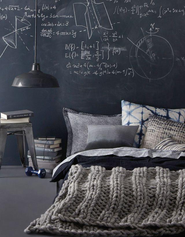 Un mur d'expression dans la chambre pour les longues soirées d'hiver.