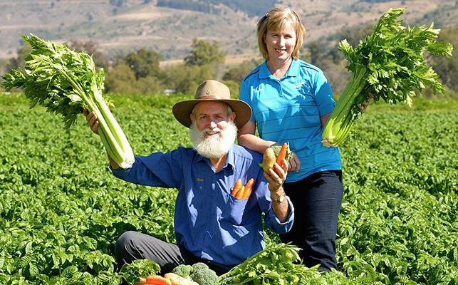 KNOW YOUR FARMER - Bauer's Organic Farm | Know your farmer, know your food... The Lockyer Valley is listed in the Top Ten Most Fertile Farming Areas in the World. And, right in the heart of this rich, fertile valley lies Bauer's Organic Farm