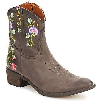 La plus brodée des boots santiag !
