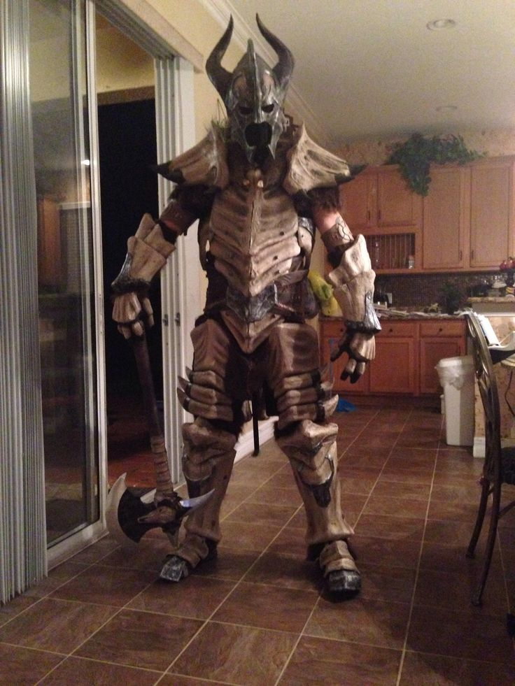 Skyrim Dragonbone Armor cosplay. I like how he's just chillin' in the kitchen.