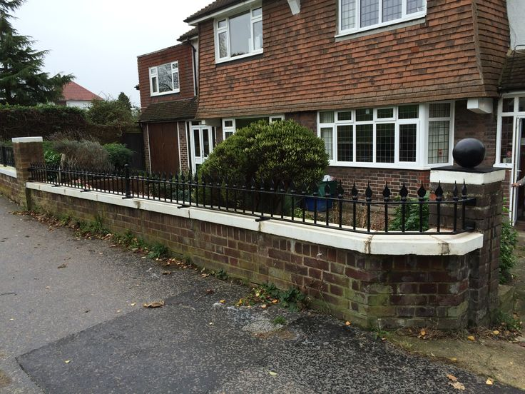RSG4200 railings fitted to a private property in London.