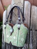 purses made from old cowboy boots - brilliant!