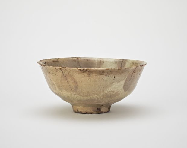 Joseon period, second half of 16th century Korea, western Gyeongsangnam-do province, Jinju city or Sancheong county Stoneware (unvitrified porcelain) with clear glaze; gold lacquer repairs 7.1 x 15.7 cm