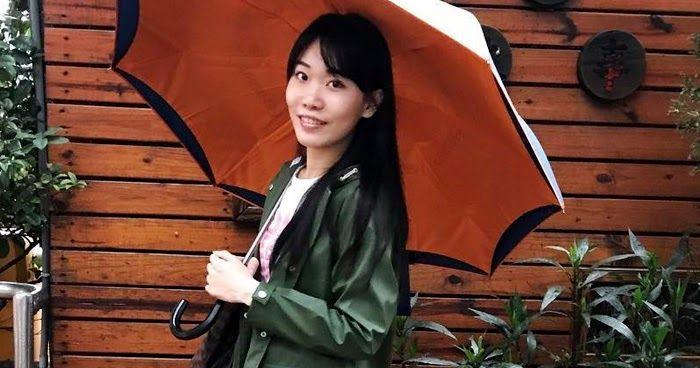 https://www.instagram.com/p/BVevfYJABXh/ Dimanche de pluie hier à Taiwan. Bottes de pluie Hunter Regent et ciré vert Zara. Combien de f...
