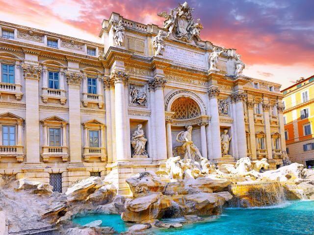 #italian #beauty: Fontana di Trevi  #Rome #Italy #italia #wonders    This is the most famous fountain in Italy