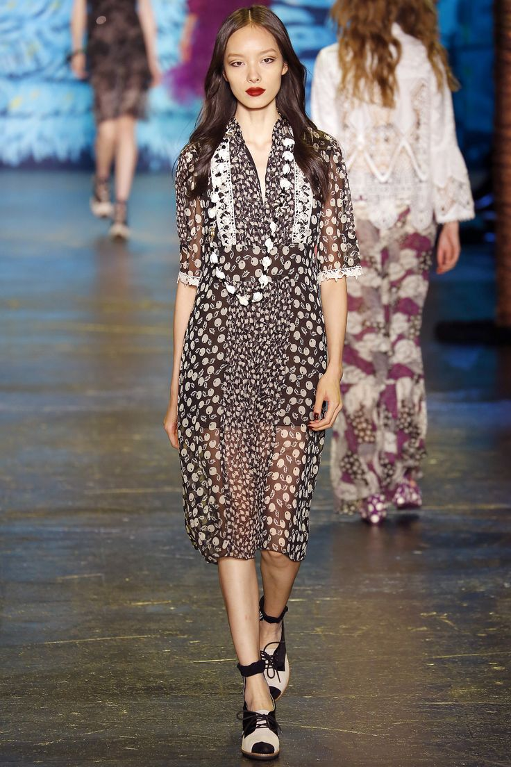 Anna Sui Spring 2016 Ready-to-Wear Fashion Show