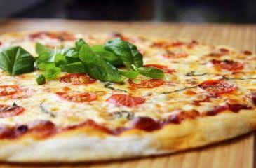 Пицца Маргарита - рецепты с фото. Как приготовить тесто для коржа и начинку для домашней пиццы Маргарита