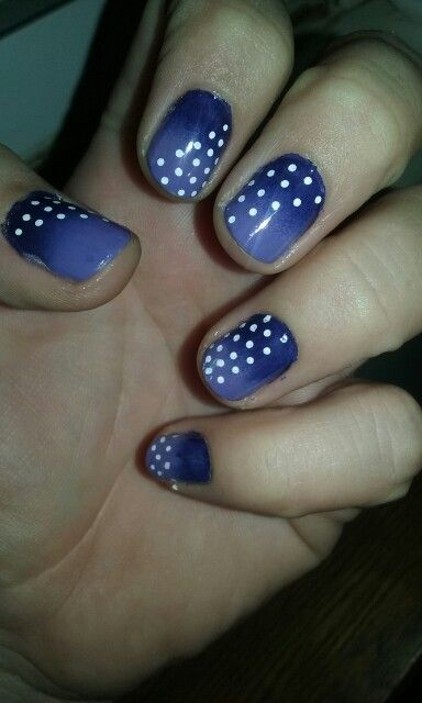 Polka dot nails. Done with a Sally Hansen fint tip nail art pen.