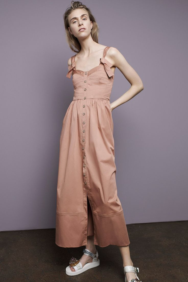 View the complete Rebecca Taylor Spring 2017 collection from New York Fashion Week.