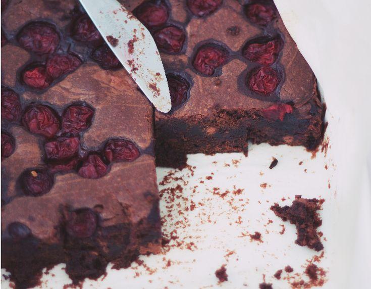 Ciasto czekoladowe z whisky i wiśniami