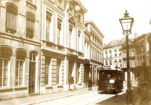 Breda - Veemarktstraat - een trammetje.