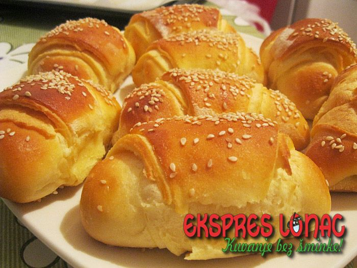 Kiflice punjene feta sirom i belim lukom / Croissants Stuffed with Feta Cheese and Garlic