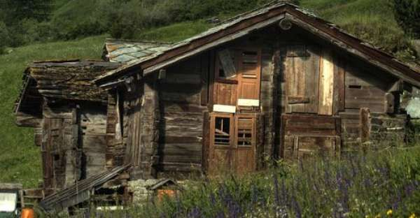Top 10 Small Log Cabins