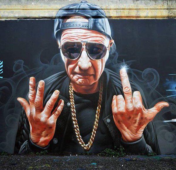 """Plus j'avance en âge, plus je me connais. Plus je me connais, moins je m'apprécie. Moins je m'apprécie, plus je me méfie de moi. Plus je me méfie de moi, moins je me méfie des autres. Cherchez l'imprudence."" Philippe Bouvard // Street art"