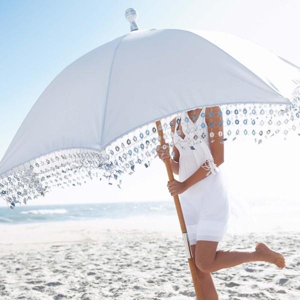 Witte parasol  het strand!!! Wit wit wit....zomer!!!!